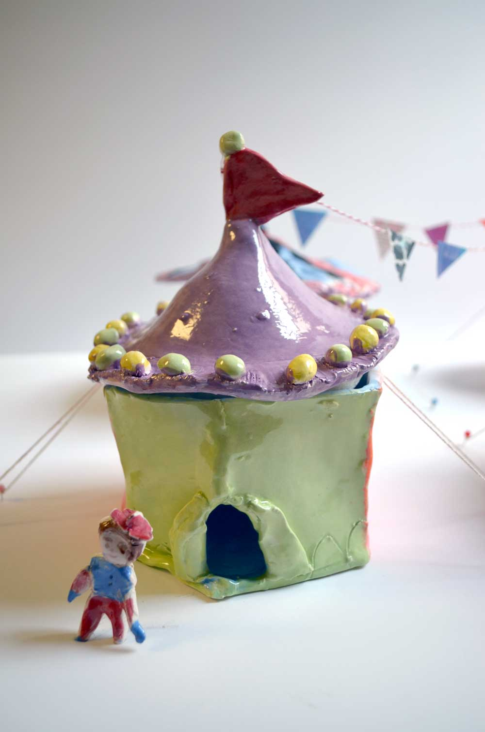 Clay Circus Themed Pottery Camp | www.smallhandsbigart.com
