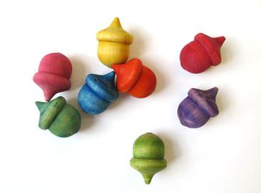 Wooden Acorn Craft Inspiration | www.smallhandsbigart.com/blog